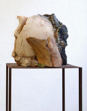 """Gudrun Sailer, """"Kopf"""", 2008, Terrakotta, 32 x 40 x 26 cm, Foto: René Moritz"""