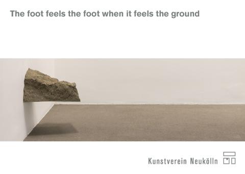 "Postkarte ""The foot feels the foot when it feels the ground"", Abbildung: Tom Früchtl, Lena von Gödeke, Ben Greber"