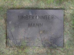 """Sigrid Weise, """"UNBEKANNTER MANN"""", 2013 (aus der Werkreihe UNBEKANNT), Digitaldruck auf Photo Rag, Auflage 3, 50 x 70 cm, Foto: Sigrid Weise (VG Bild-Kunst)"""